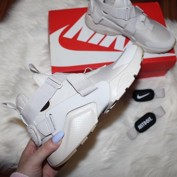 half off 6ebce f359a BNIB Nike Air Huarache City Sneakers  Desert Sand